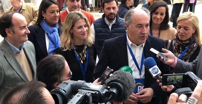 Landaluce, junto a Ana Mestre y Eva Pajares, volverá a ser senador