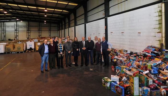 Cáritas recibe los 1500 juguetes de la campaña de Onda Algeciras Televisión