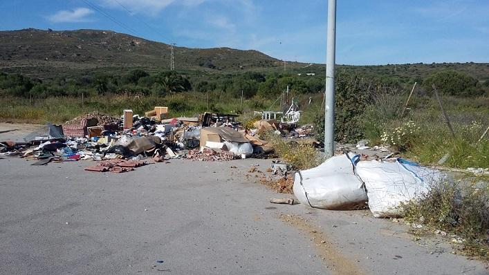 Una zona afectada por la acumulación de residuos y basuras