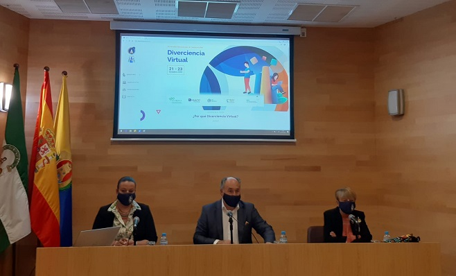 Landaluce, Ruiz y Villaescusa, durante el acto de apertura de Diverciencia 2020