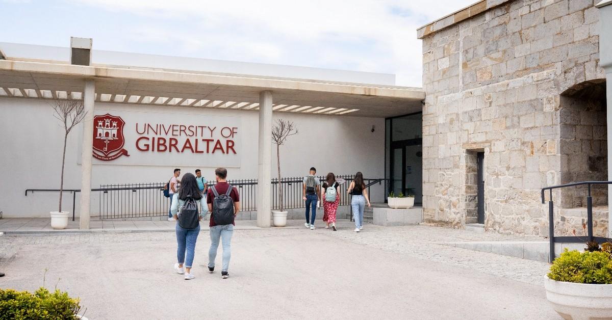 Entrada a la Universidad de Gibraltar. Foto NG