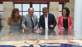 Reunión de Landaluce con el director provincial de AVRA, Ignacio Romaní. Foto Ayto Algeciras