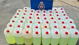 Los contenedores de combustible. Foto RGP
