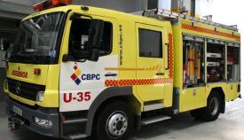Desalojan a una mujer tras el incendio declarado en una vivienda en Algeciras