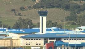Varios altercados en Botafuegos dejan un herido y seis internos aislados
