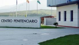 Adelante Andalucía denuncia la falta de recursos médicos para los internos de Botafuegos