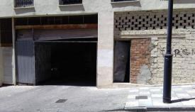 El Ayuntamiento tapia los accesos al edificio 'okupa' de Cánovas del Castillo