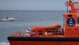 Trasladada una patera con cuatro personas al puerto de Algeciras