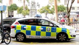 Un agente salva a un niño de 17 meses de morir asfixiado en Algeciras