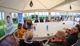 José Ortiz en una reciente reunión con colectivos sociales en Algeciras