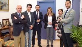 La presidenta, en su visita al Ayuntamiento de La Línea