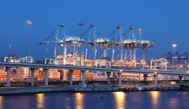 Agaden exige más controles a los barcos que contaminan el Puerto de Algeciras