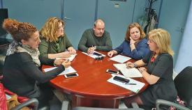 Eva Pajares reunida con los representantes sindicales