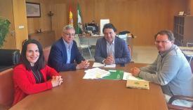 El alcalde de Castellar, Juan Casanova, con el delegado territorial Daniel Sánchez