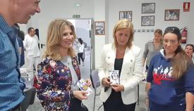 Ana Mestre y Eva Pajares durante su visita a la sede de Fegadi en La Línea