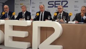El delegado del Gobierno apuesta por ampliar la Zona Franca en la Bahía