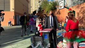 Landaluce asiste al acto navideño del colegio Puerta del Mar