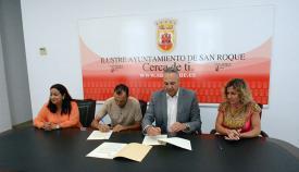 Imagen correspondiente a la firma del convenio