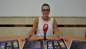 La concejal de Cultura, Ana Ruiz, en la presentación del ciclo de cine en San Roque.