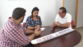 La concejal, con los representantes de los taxistas