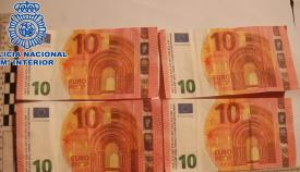 Algunos de los billetes falsos intervenidos
