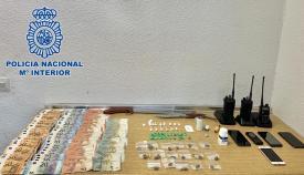 En la operación se intervino dinero en efectivo y drogas