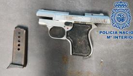 Una pistola intervenida por la Policía Nacional. Foto: Interior