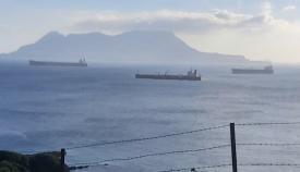 Agaden denuncia la aparición de un buque dentro del Parque del Estrecho