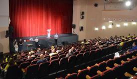 Los trabajadores fueron recibidos en el Teatro para garantizar las medidas de seguridad