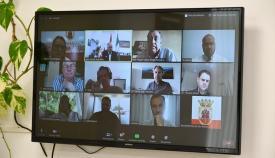 Los asistentes a la vídeo conferencia con el alcalde de San Roque