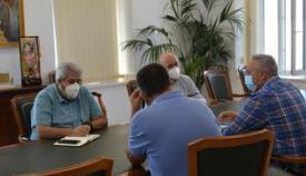 Reunión del alcalde con los representantes de Correos