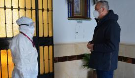 Ruiz Boix visita la residencia de ancianos. Foto Multimedia SR