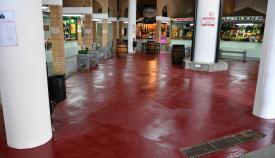 Imagen del Mercado Diego Ponce tras el tratamiento antideslizante. Foto: Multimedia.