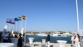 La bandera azul ya ondea en el Puerto de Sotogrande