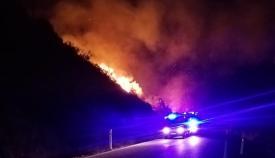 Uno de los conatos de incendio de anoche. Foto: Multimedia