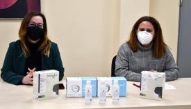 Estrella Blanco y Mónica Córdoba presentaron e material. Foto Multimedia