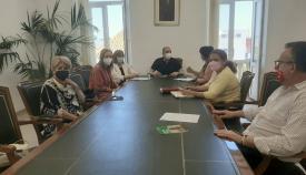 Reunión de representantes de la AECC con el Ayuntamiento. Foto Multimedia SR