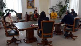 Un momento de la reunión entre el alcalde y los hosteleros. Foto Multimedia