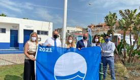 La playa de Getares ya luce su Bandera Azul por décimo año consecutivo