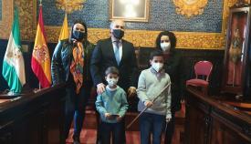 Landaluce hace entrega del bastón de mando al alumno Darío Ortega