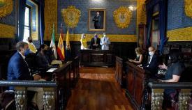 Ayuntamiento y UCA facilitarán a los jóvenes la formación en idiomas