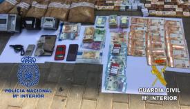 En la operación conjunta de CNP y Guardia Civil se detuvieron a 18 personas