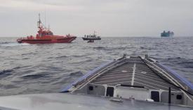 Imagen del rescate llevado a cabo por Salvamento Marítimo. Foto: Gob. Gibraltar