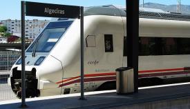Una nueva avería obliga a los pasajeros del tren Algeciras-Madrid a transbordar en Antequera