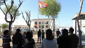 Imagen de un acto de homenaje a la República en San Roque