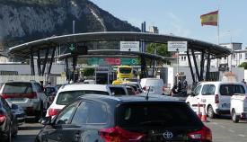 Vehículos en la Verja de Gibraltar. Foto NG