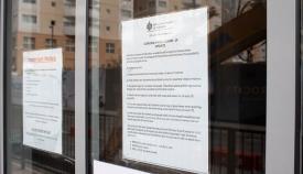 Advertencias e instrucciones del Gobierno de Gibraltar. Foto Sergio Rodríguez