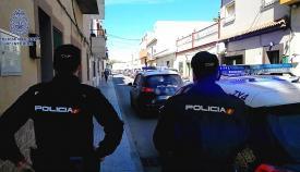 Agentes de la Policía Nacional de La Línea, en una imagen de archivo