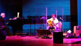 Al Di Meola en uno de sus últimos conciertos