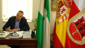 El alcalde de San Roque niega la deuda que le atribuye la Junta de Andalucía